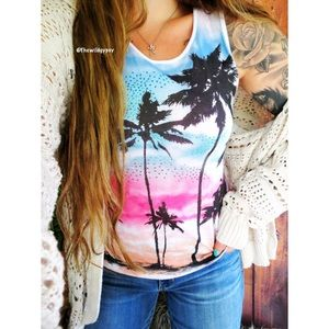 Embellished palm tree graphic tank 🍃